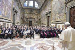 Папата: Постои нераскинлива врска помеѓу етиката и економските системи