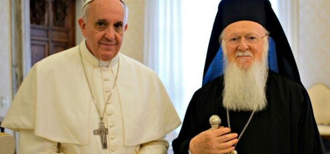 Папата Фрањо упати порака до патријархот Вартоломеј
