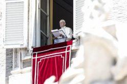 Папата Фрањо повика на молитва за самитот помеѓу САД и Северна Кореја