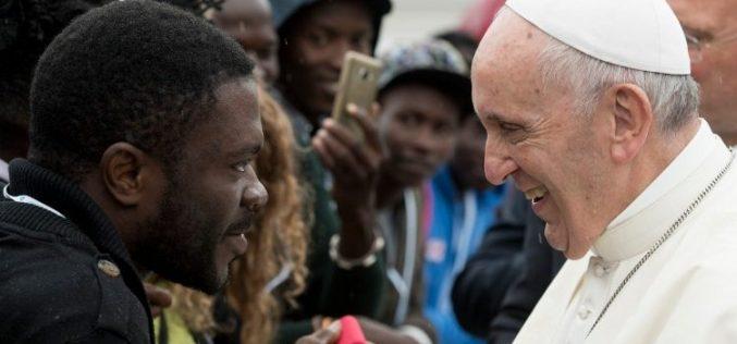 Папата: Да одиме во пресрет на другиот за да го прифатиме