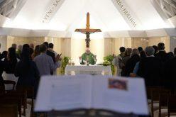 Папата: Искористувањето на жената е грев против Бог