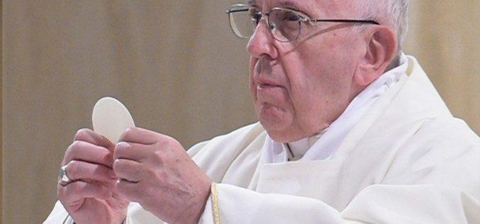 Папата: Диктатурата започнува со клеветење