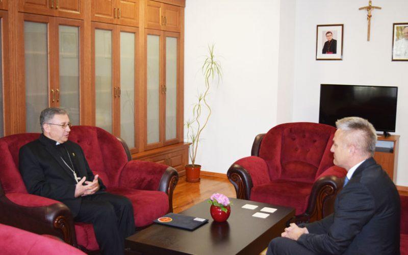Бискупот Стојанов го прими државниот секретар за Хрвати надвор од Хрватска