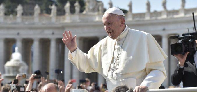Папата Фрањо на аудиенцијата: Бог не е господар, туку Отец
