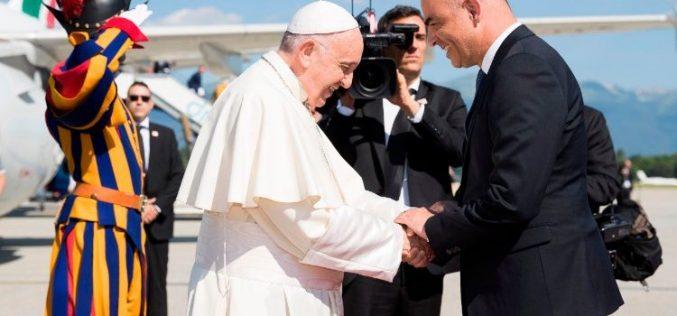 Папата во посета на Женева