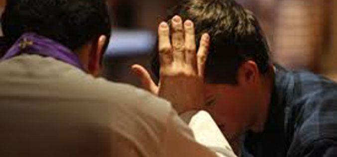 Свештениците од Австрлија се подготвени да одат во затвор за исповедната тајна