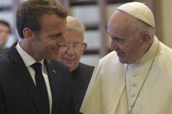 Папата се сретна со францускиот претседател Макрон