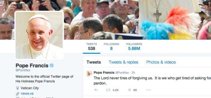 Папата: Мачењето луѓе е смртен грев