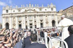 Редуцирани јавните настапи на Папата во летниот период