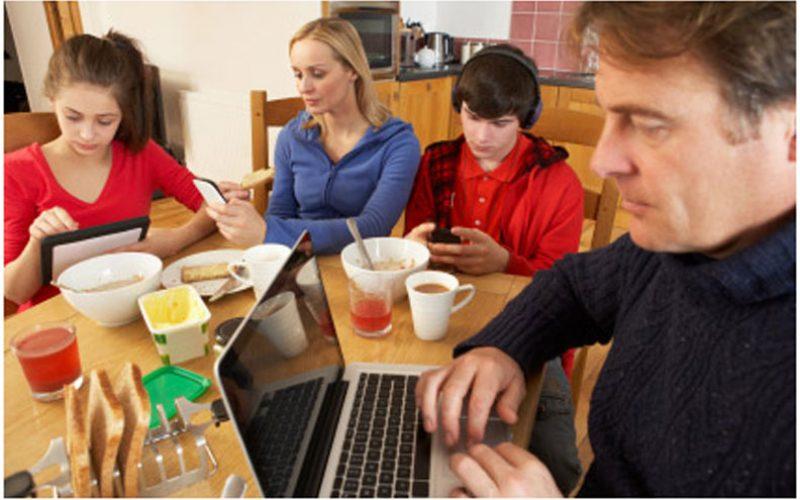 Пет лекции за родителите во дигиталната ера
