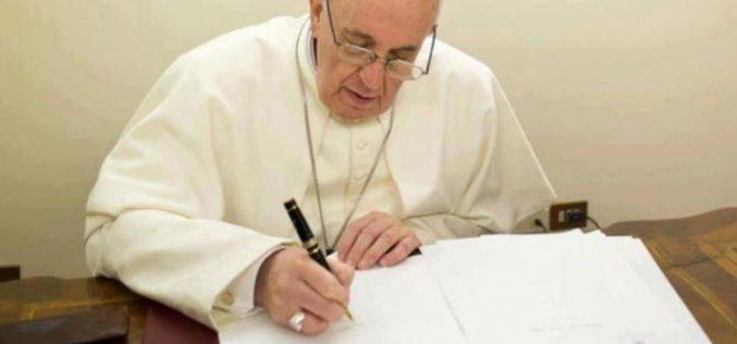 Папата изрази солидарност по повод поплавите во Лаос