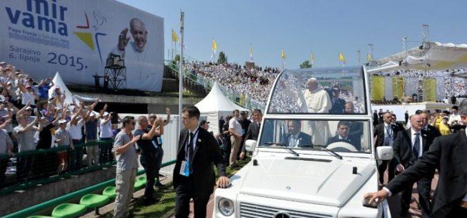 Папата до теолoзите: Потребно е поврзување во духот на солидарност со светот