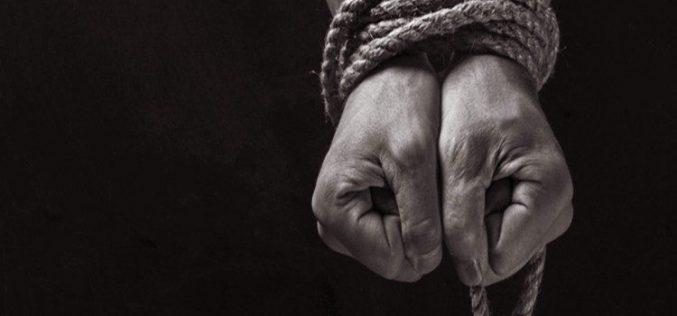 Папата Фрањо: Трговијата со луѓе е срамно злосторство