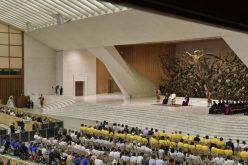 Папата: За да љубиме вистински треба да бидеме слободни од идолите