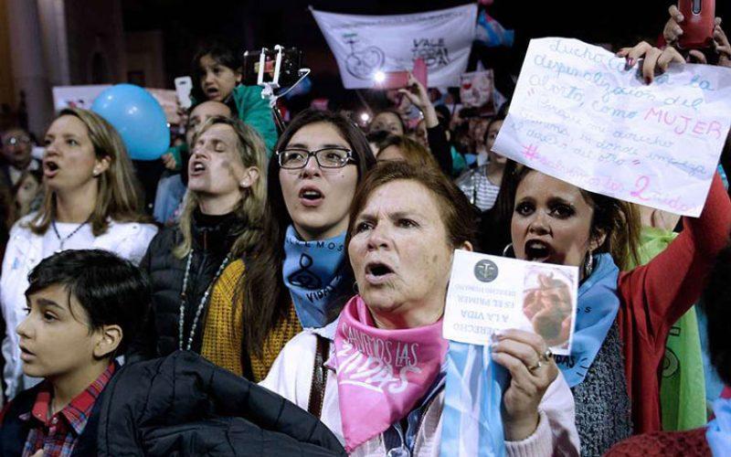 Во земјата на папата Фрањо Аргентина победи животот