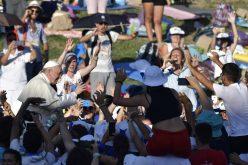 Папата на бдение со младите Италијанци