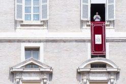 Жртвите од трагедијата во Џенова Папата ги довери на Божјото милосрдие