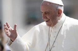 Твитер порака на Папата: Љубовта ги надминува сите тешкотии
