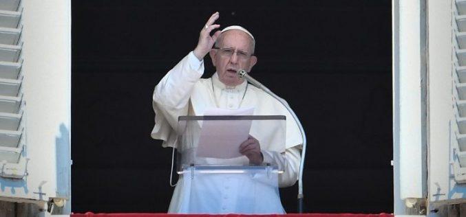 Папата: Да примиш Причест значи да Го примиш живиот Христос