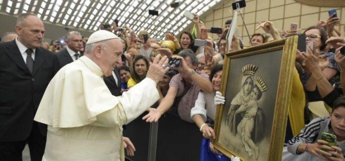 """Папата: Бог никогаш нема да каже """"не"""" на срцето кое искрено го повикува"""