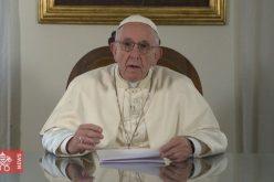 Папата ги благослови семејства собрани во Даблин