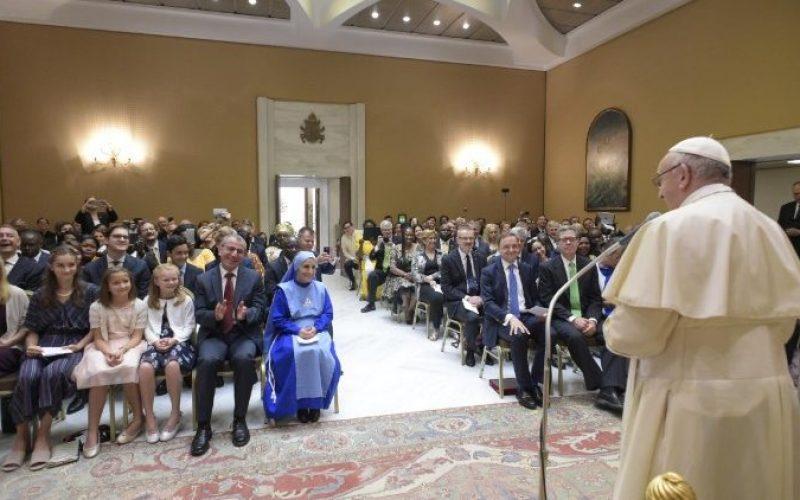 Папата: Политичарот христијанин е повикан да биде сведок