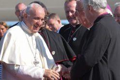 Папата пристигна во Ирска