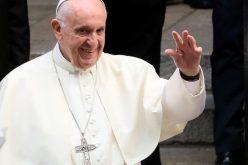 Твитер порака на Папата: На нашиот свет му е потребна револуција на љубовта