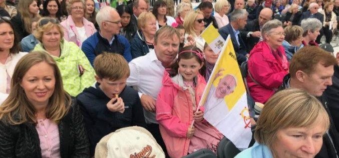 Папата: Семејство надеж за Црквата и светот