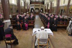 Папата до ирските епископи: Бидете храбри и креативни