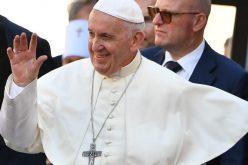 Твитер порака на Папата за богатството