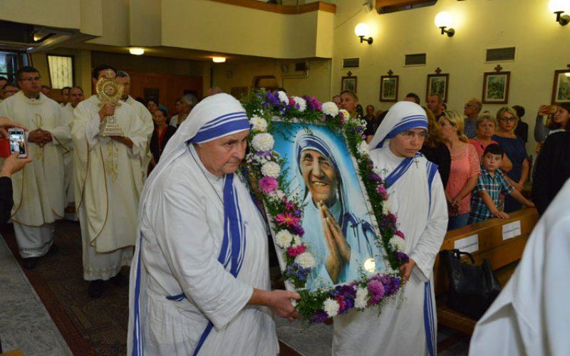 Скопје: Прославен празникот на света Мајка Тереза