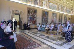 Папата се сретна со богопосветените вдовици