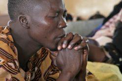 Нигерија: Пуштен на слобода киднапираниот свештеник