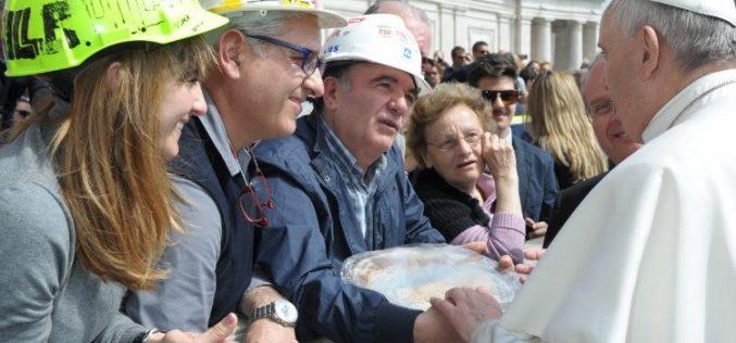 Папата за Il Sole 24 Ore: Вистинските пари се создаваат со работа