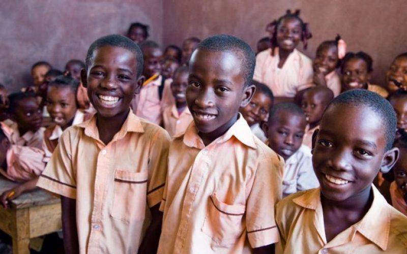 Папата: Без правото на образование нема целосна слобода