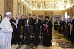 Папата: Секој ден се молам светот да ги избрише солзите на сириските и ирачките деца