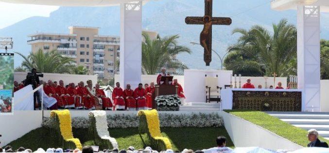 Папата: Не може да се верува во Бог и да се биде мафијаш