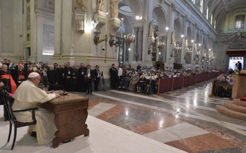 Папата: Нашиот живот, драги свештеници не е професија, туку дарување