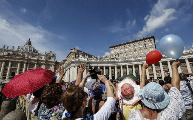 Папата: За исповедање на верата во Христос потребни се конкретни гестови