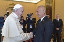 Папата Фрањо го прими во аудиенција претседателот на Албанија