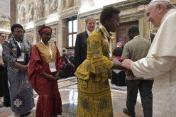 Папата предупреди на ширење на нови облици на ксенофобија и расизам
