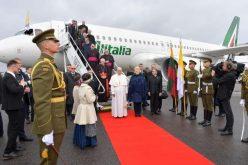 Папата: Литванија нѐ учи како да ги прифатиме разликите