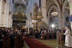 Папата во Рига: Господ нѐ повикува да го живееме единството мисионерски