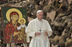Папата до источните католици: Чувајте ја традицијата, бранете го семејството