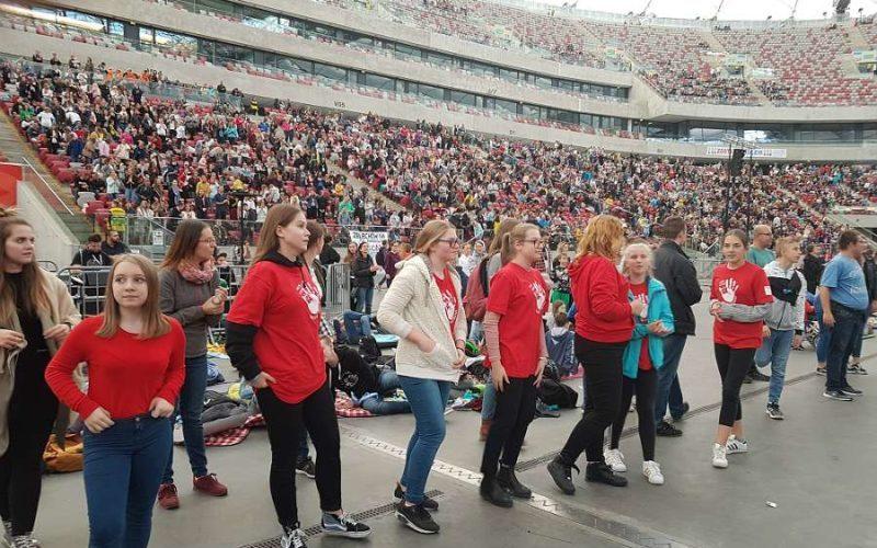 Околу 40 илјади Полјаци на стадион молеа за Синодата