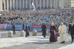 Папата: Презирот кон животот е изворот на сите зла