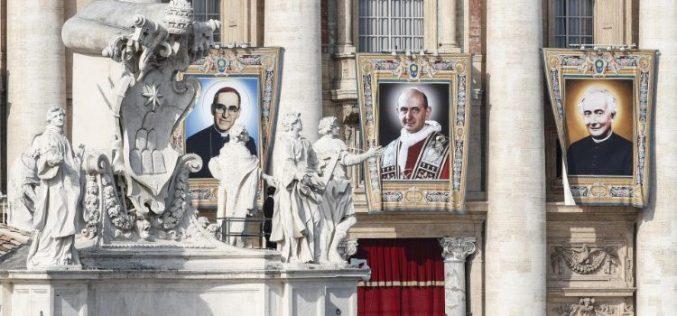 Папата ги прогласи за светци Павле VI  и епископот Ромеро