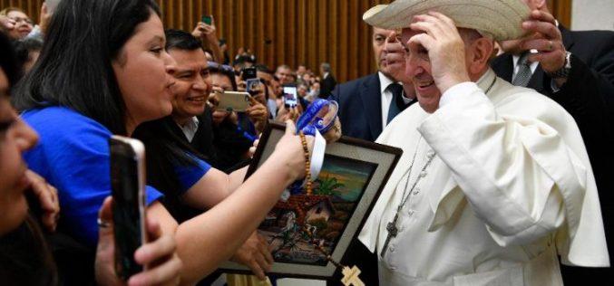 Папата: Свети Оскар Ромеро знаел да го овоплоти ликот на Добриот пастир