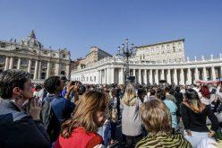 Папата: Заедно со младите, тоа е патот!